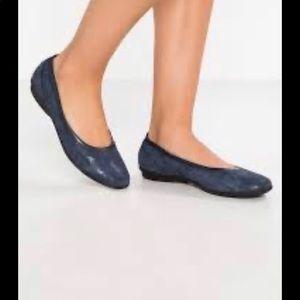 Clarks Gracelin Mara Ballet Flats Leather Slip On